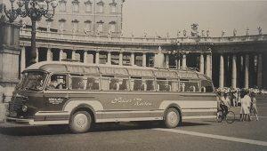 Sauer Menden-Bus vor der Engelsburg in Rom